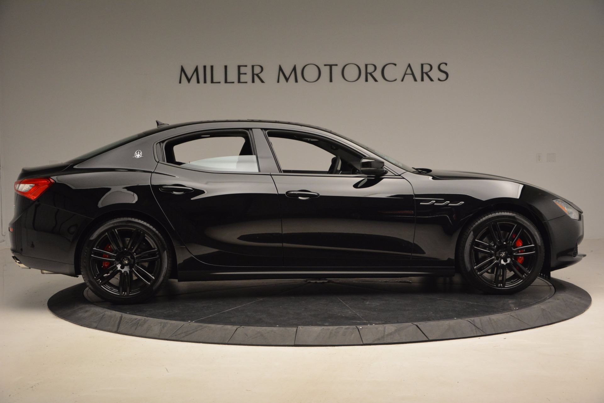 New 2017 Maserati Ghibli Nerissimo Edition S Q4   Greenwich, CT