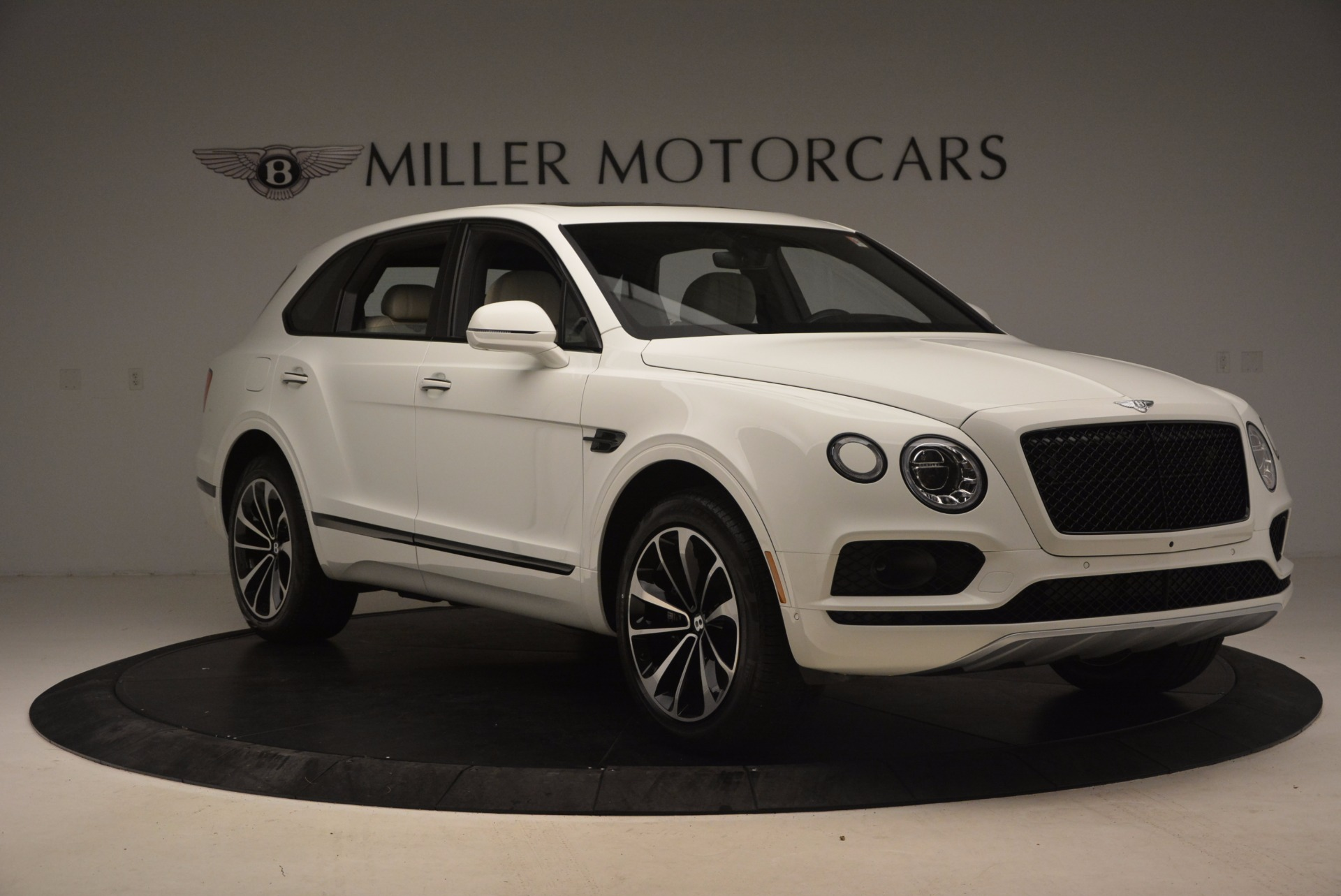 Used 2018 Bentley Bentayga Onyx | Greenwich, CT