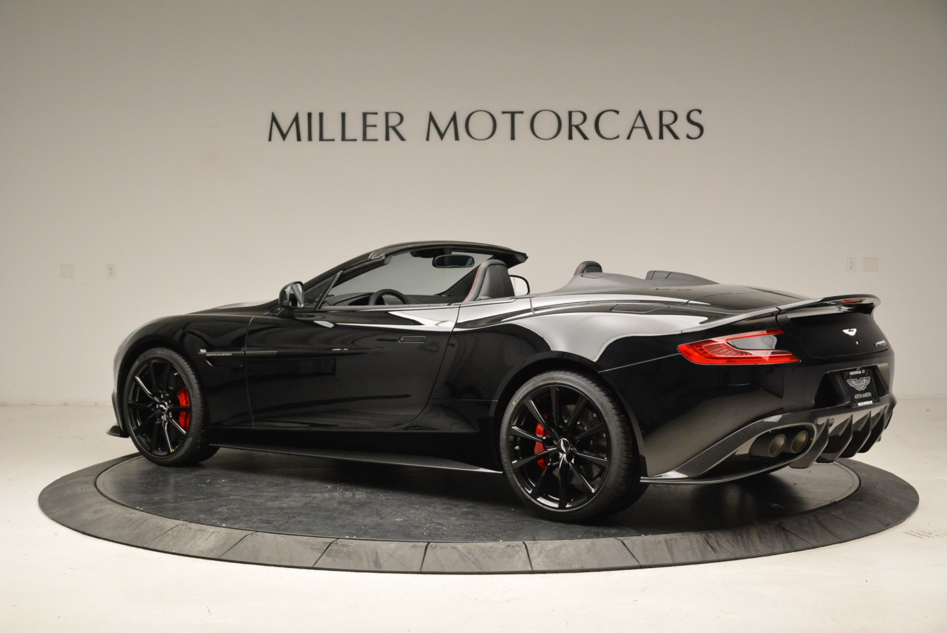 Used 2018 Aston Martin Vanquish S Convertible | Greenwich, CT