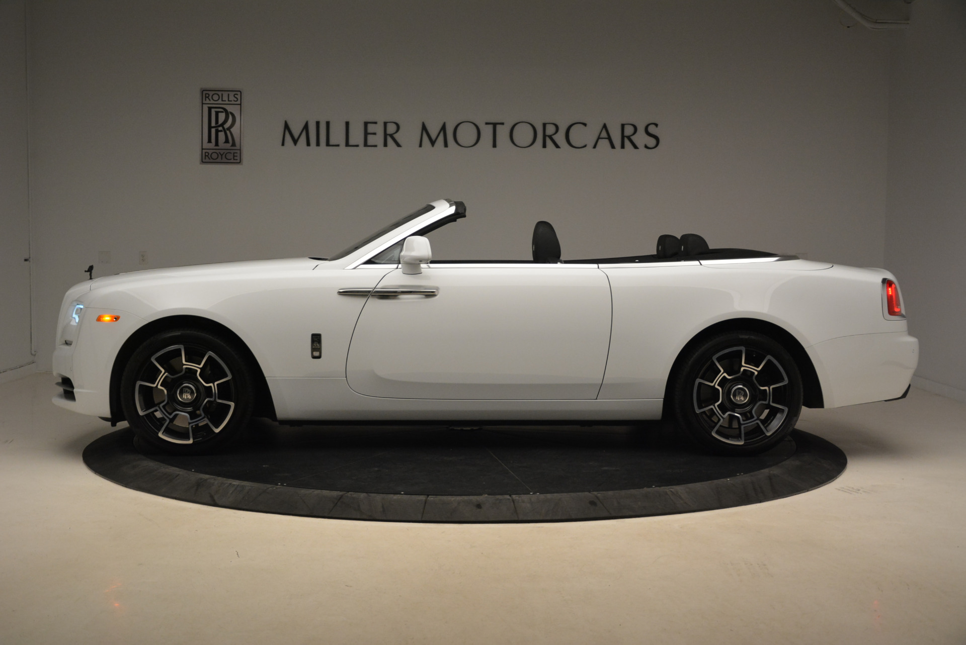 New 2018 Rolls-Royce Dawn Black Badge   Greenwich, CT