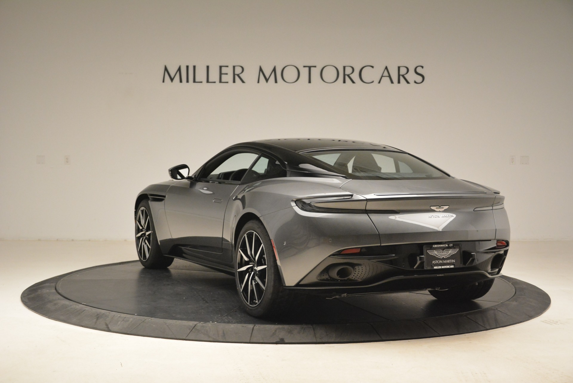 New 2018 Aston Martin DB11 V12 Coupe | Greenwich, CT