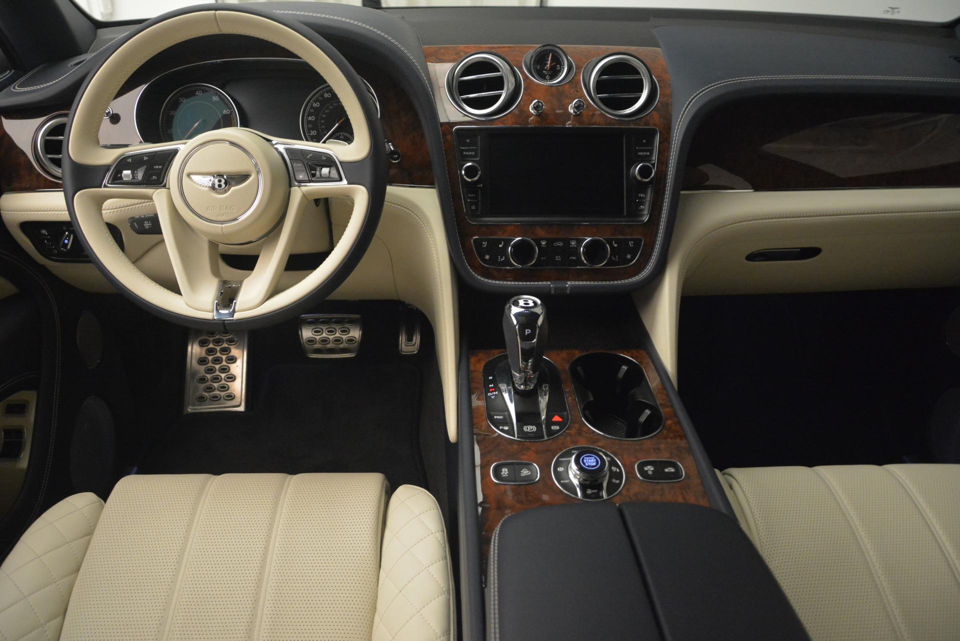 Used 2018 Bentley Bentayga W12 Signature | Greenwich, CT