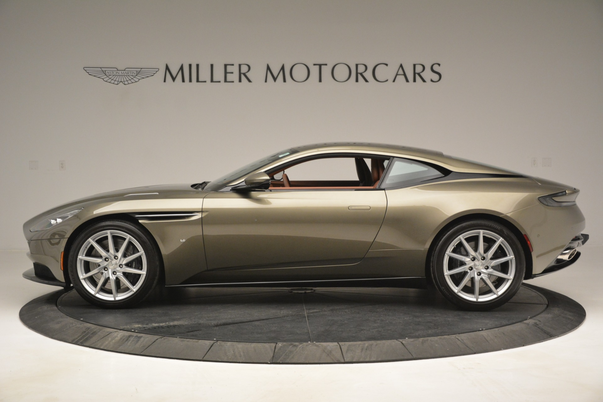Used 2018 Aston Martin DB11 V12 Coupe   Greenwich, CT