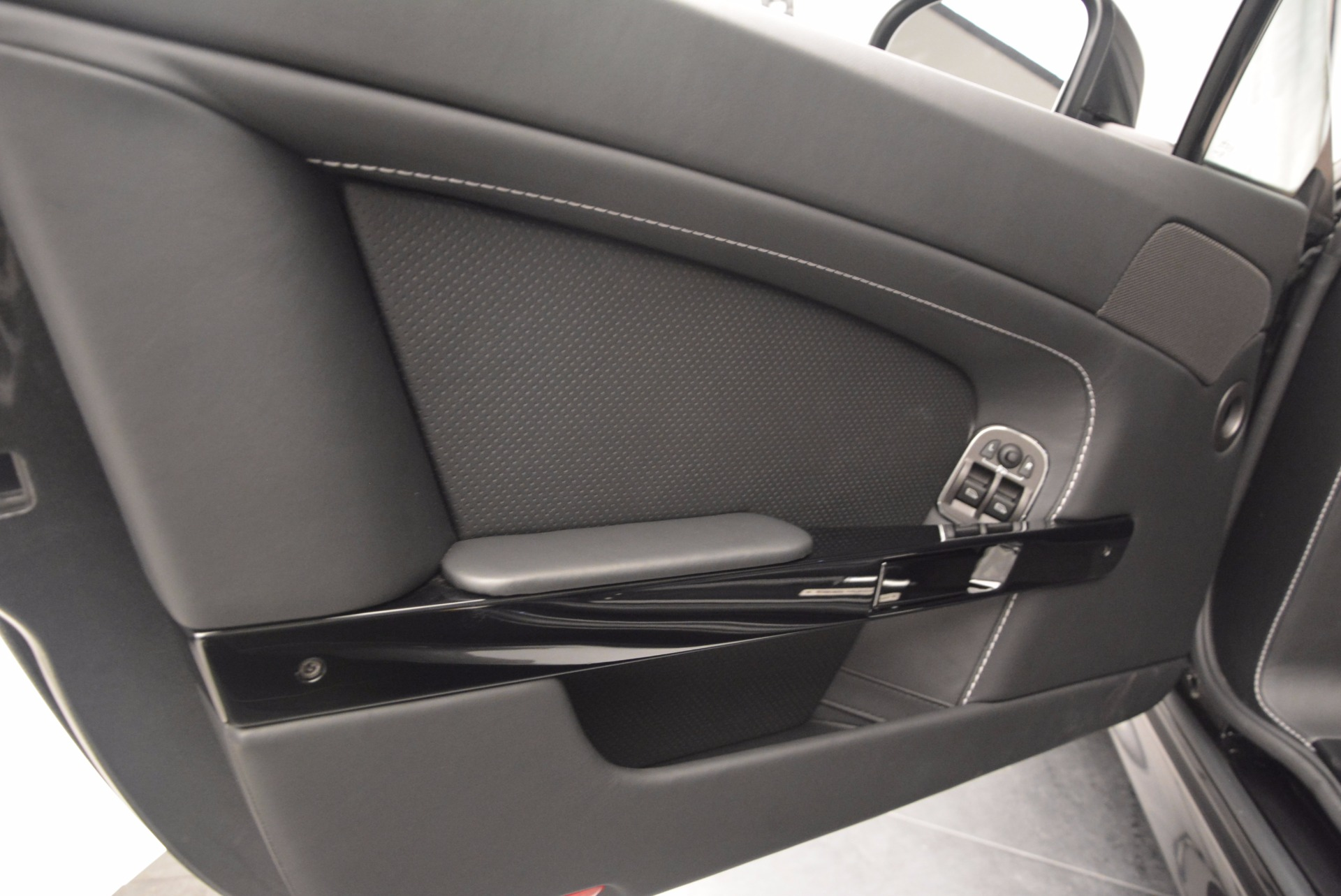 Used 2016 Aston Martin V8 Vantage S Roadster | Greenwich, CT