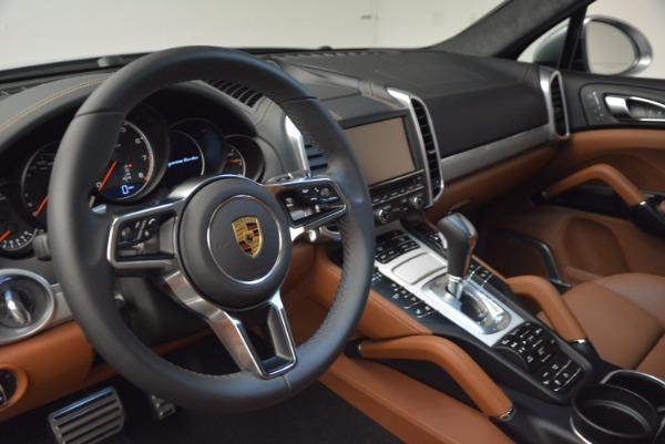 Used 2016 Porsche Cayenne Turbo for sale Sold at Bugatti of Greenwich in Greenwich CT 06830 21