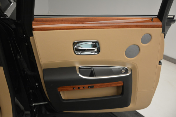 Used 2013 Rolls-Royce Ghost for sale Sold at Bugatti of Greenwich in Greenwich CT 06830 19