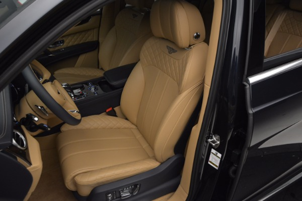 Used 2017 Bentley Bentayga W12 for sale Sold at Bugatti of Greenwich in Greenwich CT 06830 18