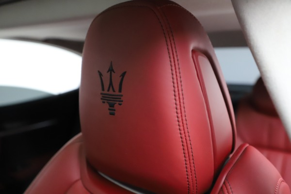 Used 2017 Maserati Ghibli S Q4 for sale $42,900 at Bugatti of Greenwich in Greenwich CT 06830 17