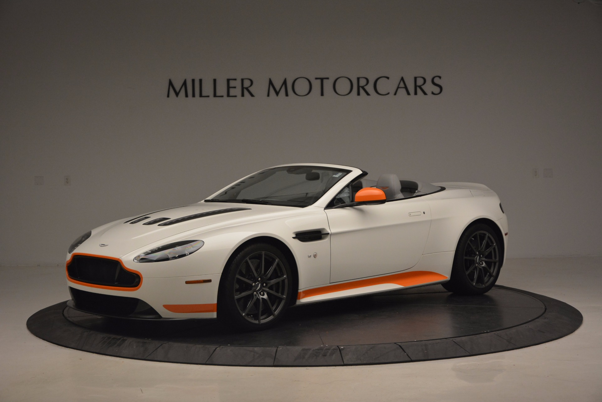 Used 2017 Aston Martin V12 Vantage S Convertible for sale Sold at Bugatti of Greenwich in Greenwich CT 06830 1