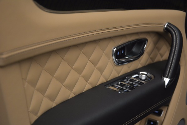 Used 2017 Bentley Bentayga for sale Sold at Bugatti of Greenwich in Greenwich CT 06830 26
