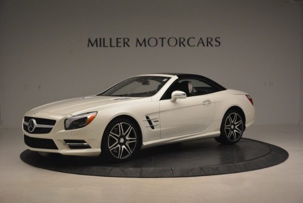 Used 2015 Mercedes Benz SL-Class SL 550 for sale Sold at Bugatti of Greenwich in Greenwich CT 06830 16
