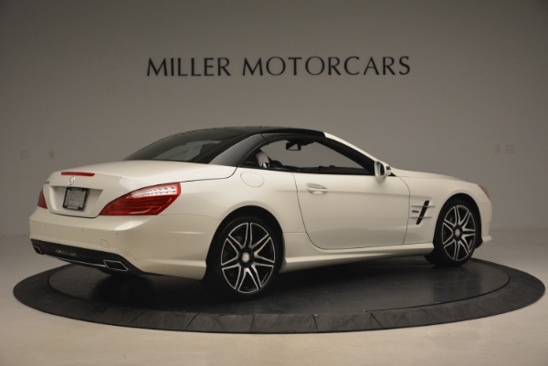 Used 2015 Mercedes Benz SL-Class SL 550 for sale Sold at Bugatti of Greenwich in Greenwich CT 06830 22