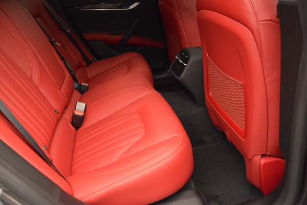 Used 2015 Maserati Ghibli S Q4 for sale Sold at Bugatti of Greenwich in Greenwich CT 06830 24
