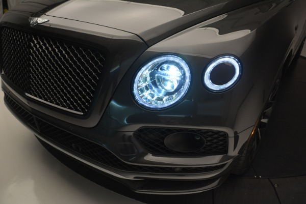 Used 2018 Bentley Bentayga W12 Signature for sale Sold at Bugatti of Greenwich in Greenwich CT 06830 16