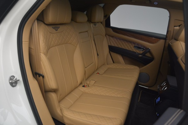 New 2018 Bentley Bentayga W12 Signature for sale Sold at Bugatti of Greenwich in Greenwich CT 06830 25