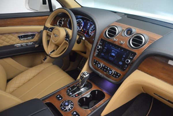 New 2018 Bentley Bentayga W12 Signature for sale Sold at Bugatti of Greenwich in Greenwich CT 06830 28