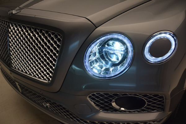 New 2018 Bentley Bentayga for sale Sold at Bugatti of Greenwich in Greenwich CT 06830 16