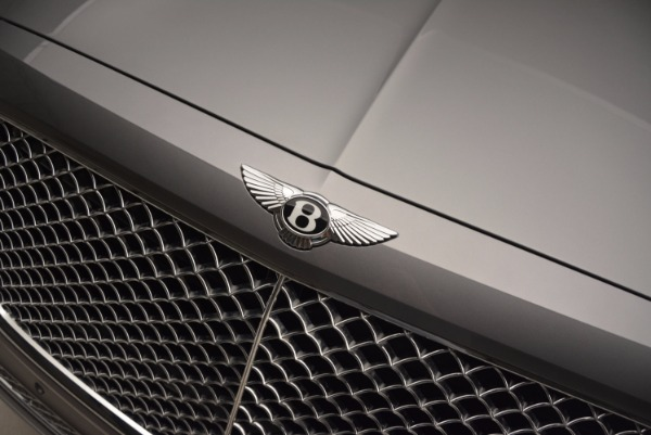 New 2018 Bentley Bentayga for sale Sold at Bugatti of Greenwich in Greenwich CT 06830 17
