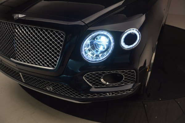 Used 2018 Bentley Bentayga W12 Signature for sale Sold at Bugatti of Greenwich in Greenwich CT 06830 19