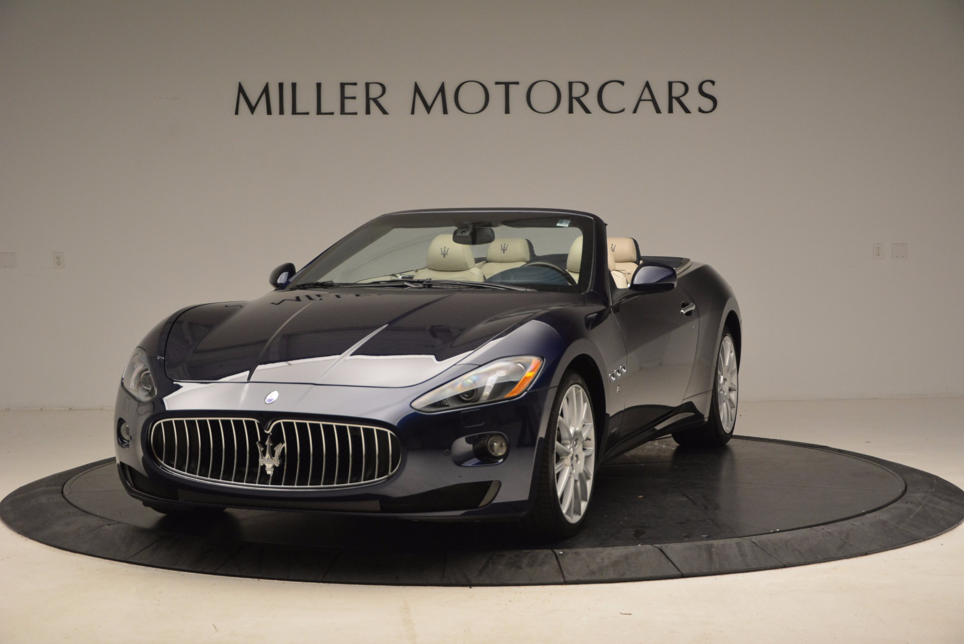 Used 2016 Maserati GranTurismo for sale Sold at Bugatti of Greenwich in Greenwich CT 06830 1
