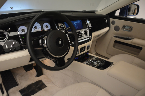 Used 2010 Rolls-Royce Ghost for sale $109,900 at Bugatti of Greenwich in Greenwich CT 06830 19