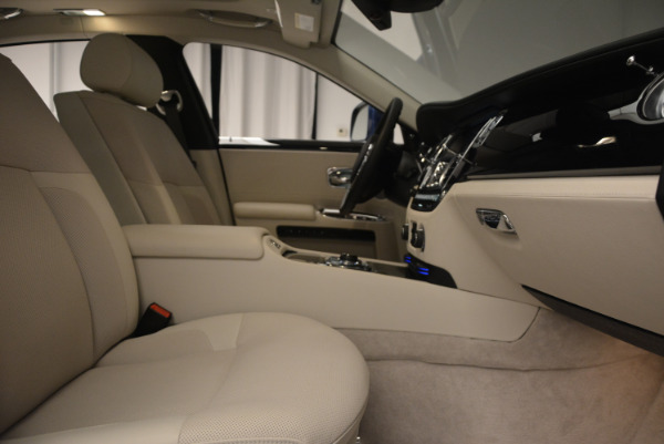 Used 2010 Rolls-Royce Ghost for sale $109,900 at Bugatti of Greenwich in Greenwich CT 06830 21