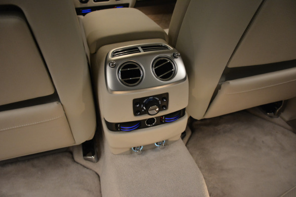 Used 2010 Rolls-Royce Ghost for sale $109,900 at Bugatti of Greenwich in Greenwich CT 06830 27