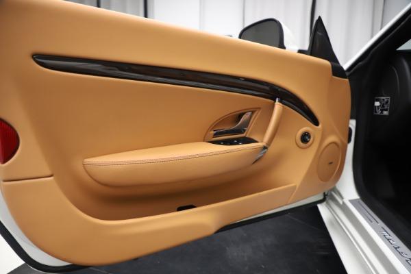 Used 2017 Maserati GranTurismo Convertible Sport for sale $84,900 at Bugatti of Greenwich in Greenwich CT 06830 27