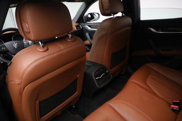 Used 2018 Maserati Ghibli S Q4 GranLusso for sale $56,900 at Bugatti of Greenwich in Greenwich CT 06830 14