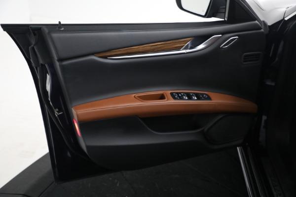 Used 2018 Maserati Ghibli S Q4 GranLusso for sale $56,900 at Bugatti of Greenwich in Greenwich CT 06830 15