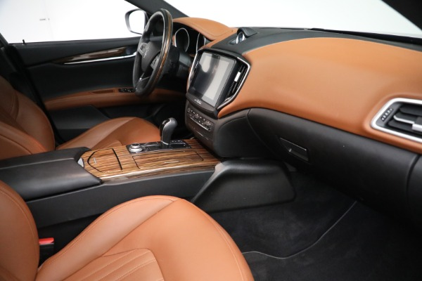 Used 2018 Maserati Ghibli S Q4 GranLusso for sale $56,900 at Bugatti of Greenwich in Greenwich CT 06830 20