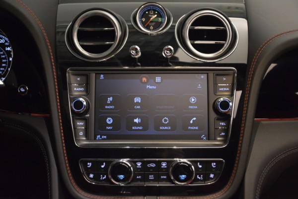 Used 2018 Bentley Bentayga Onyx for sale Call for price at Bugatti of Greenwich in Greenwich CT 06830 28