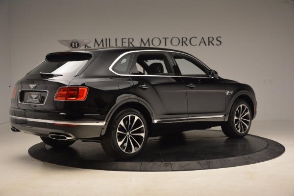 Used 2018 Bentley Bentayga Onyx for sale $145,900 at Bugatti of Greenwich in Greenwich CT 06830 10