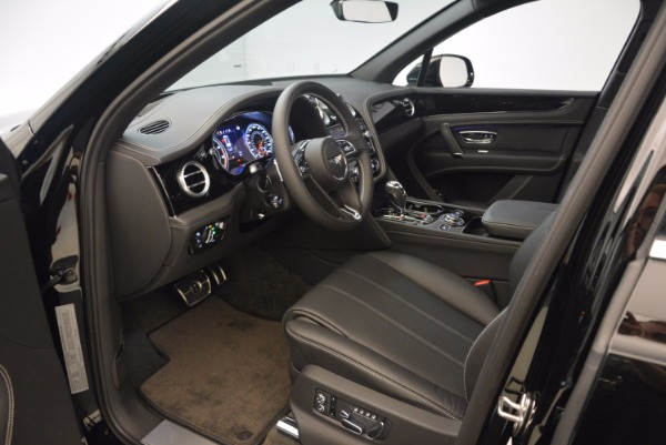 Used 2018 Bentley Bentayga Onyx for sale $145,900 at Bugatti of Greenwich in Greenwich CT 06830 18