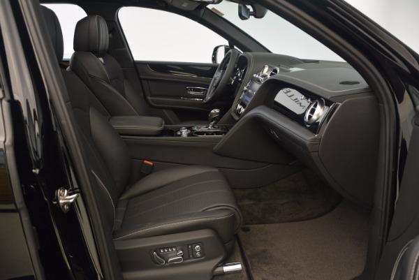 Used 2018 Bentley Bentayga Onyx Edition for sale $139,900 at Bugatti of Greenwich in Greenwich CT 06830 27