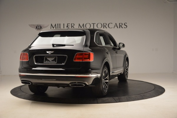 Used 2018 Bentley Bentayga Onyx for sale $145,900 at Bugatti of Greenwich in Greenwich CT 06830 8