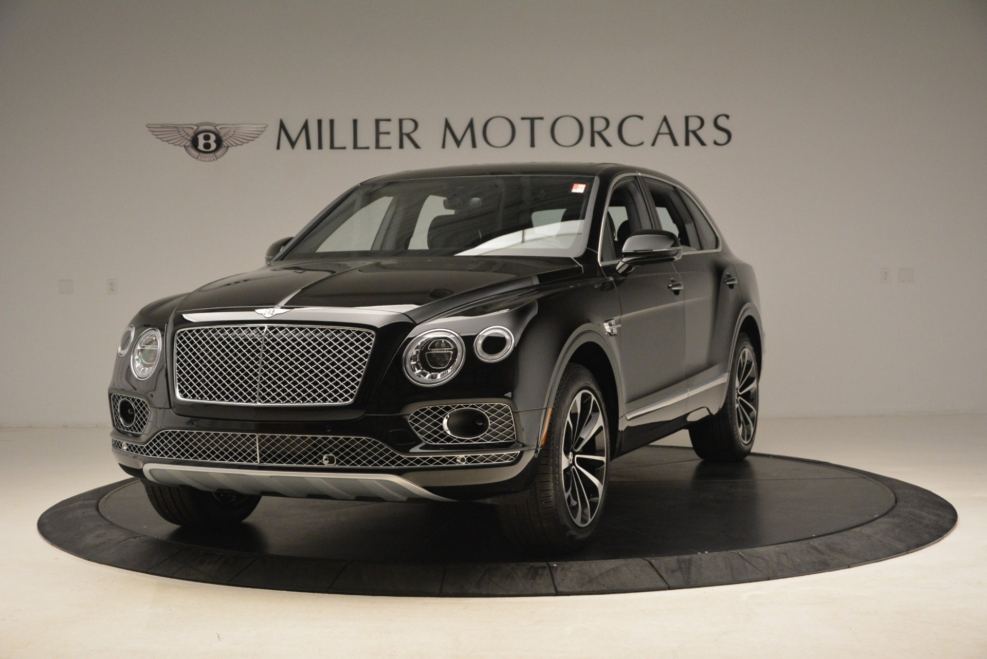 Used 2018 Bentley Bentayga Onyx for sale $145,900 at Bugatti of Greenwich in Greenwich CT 06830 1