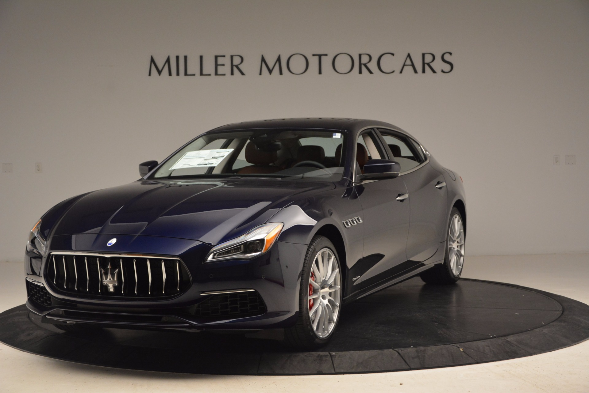 New 2018 Maserati Quattroporte S Q4 GranLusso for sale Sold at Bugatti of Greenwich in Greenwich CT 06830 1