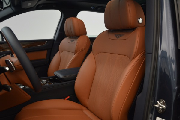 Used 2018 Bentley Bentayga Onyx for sale Sold at Bugatti of Greenwich in Greenwich CT 06830 20