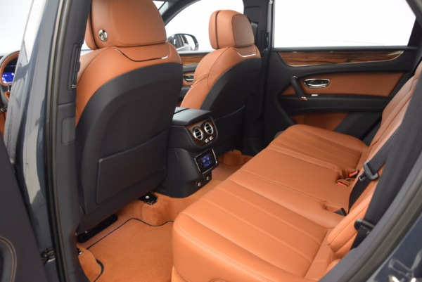 Used 2018 Bentley Bentayga Onyx for sale Sold at Bugatti of Greenwich in Greenwich CT 06830 24