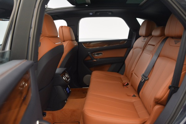 Used 2018 Bentley Bentayga Onyx for sale Sold at Bugatti of Greenwich in Greenwich CT 06830 25
