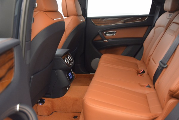 Used 2018 Bentley Bentayga Onyx for sale Sold at Bugatti of Greenwich in Greenwich CT 06830 26