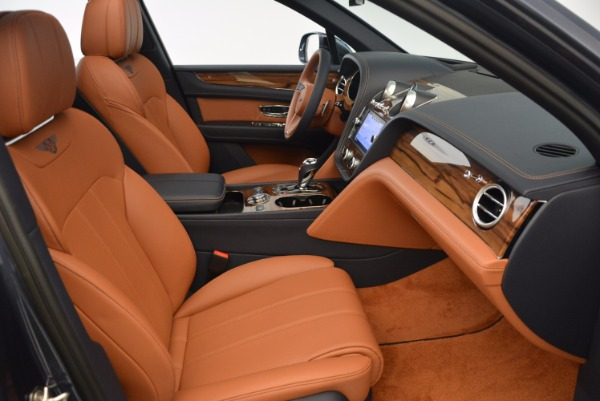 Used 2018 Bentley Bentayga Onyx for sale Sold at Bugatti of Greenwich in Greenwich CT 06830 28