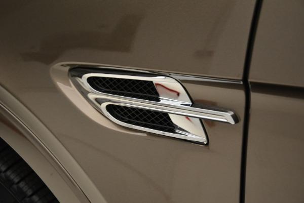 Used 2018 Bentley Bentayga W12 Signature for sale $156,900 at Bugatti of Greenwich in Greenwich CT 06830 16