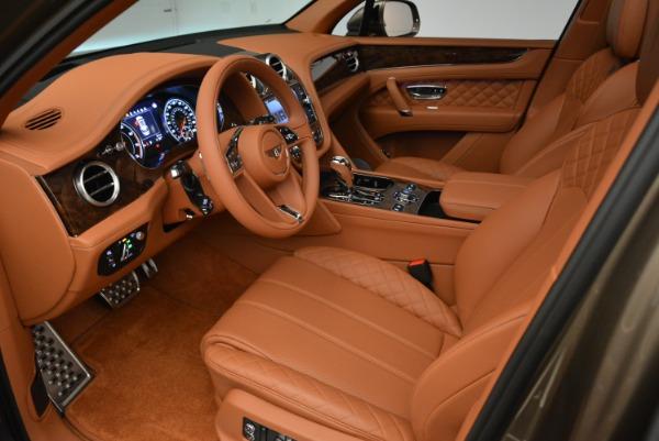 Used 2018 Bentley Bentayga W12 Signature for sale $156,900 at Bugatti of Greenwich in Greenwich CT 06830 19