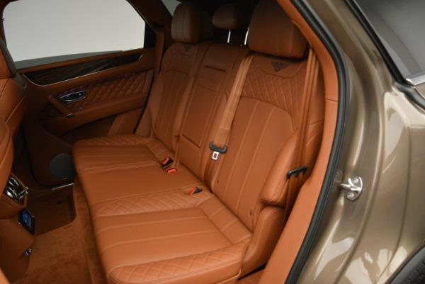 Used 2018 Bentley Bentayga W12 Signature for sale $156,900 at Bugatti of Greenwich in Greenwich CT 06830 25