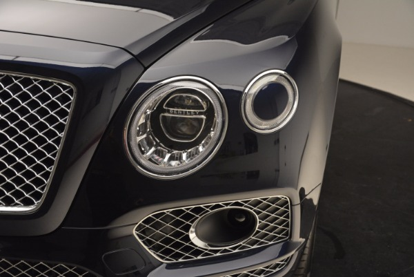 Used 2018 Bentley Bentayga W12 Signature for sale Call for price at Bugatti of Greenwich in Greenwich CT 06830 15