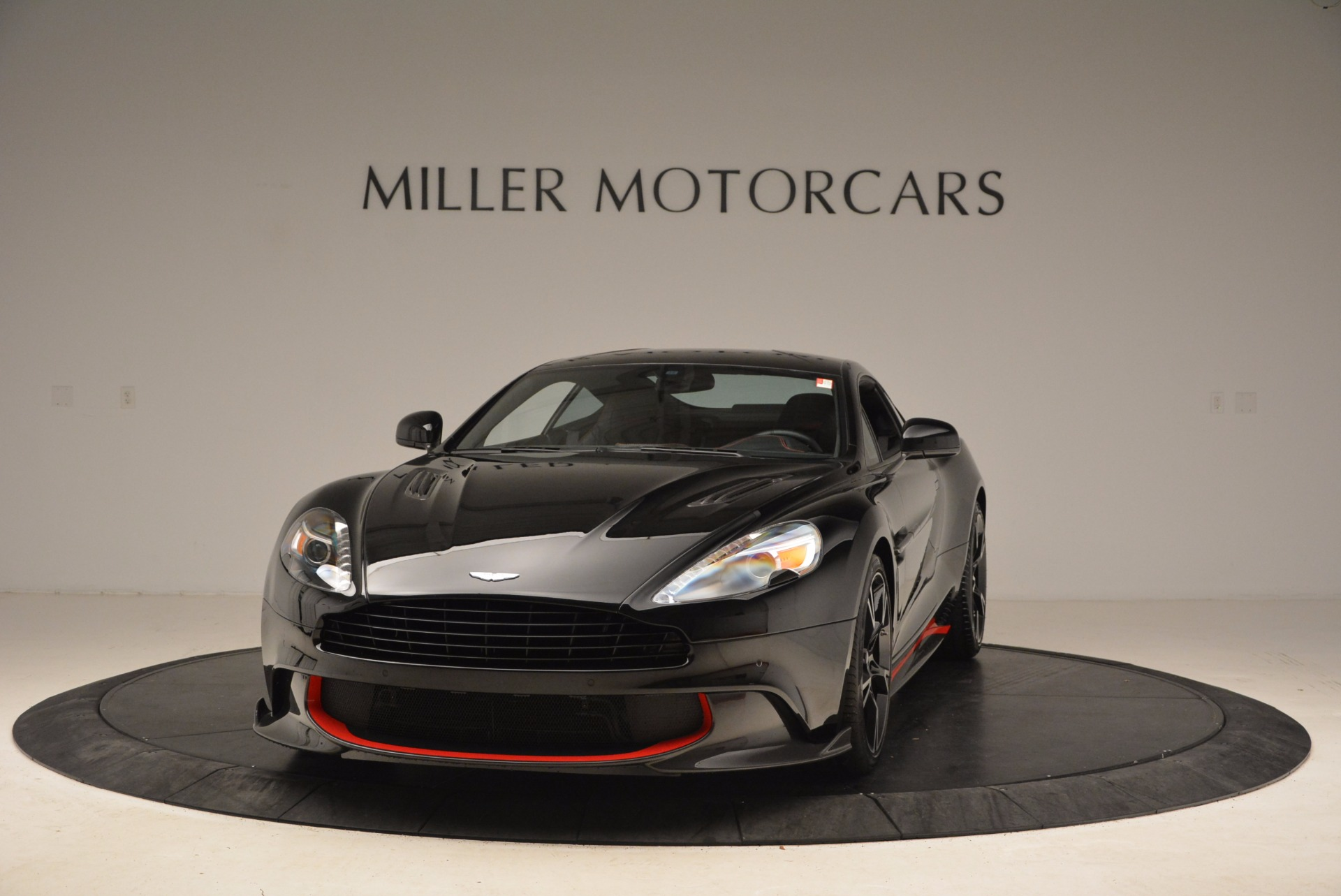 Used 2018 Aston Martin Vanquish S for sale Sold at Bugatti of Greenwich in Greenwich CT 06830 1