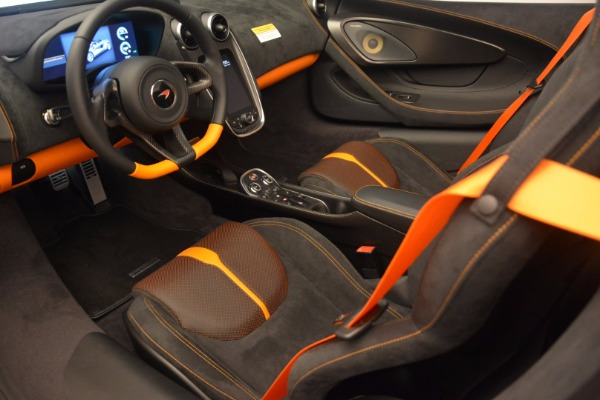 Used 2018 McLaren 570S Spider for sale Sold at Bugatti of Greenwich in Greenwich CT 06830 25