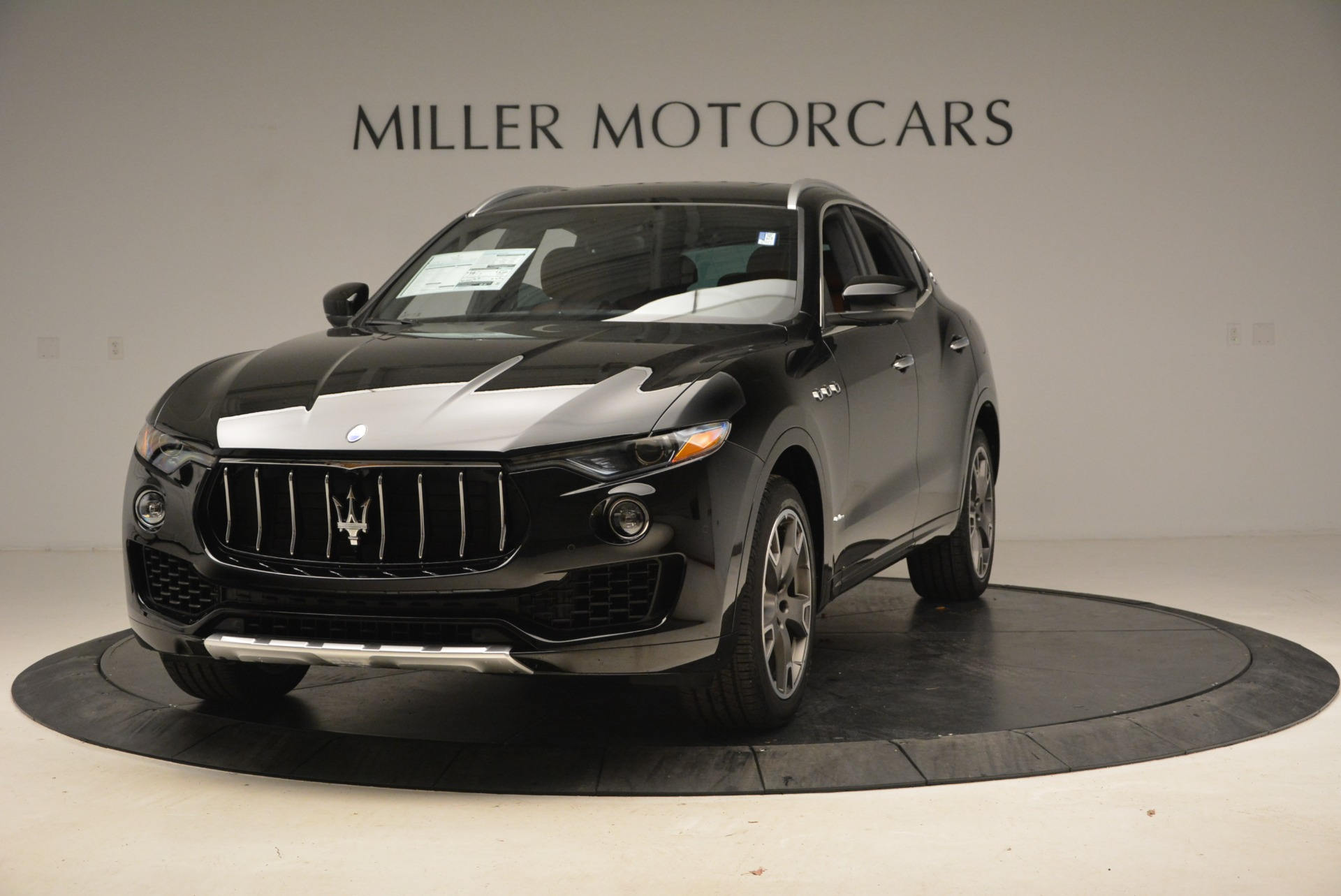 New 2018 Maserati Levante Q4 GranLusso for sale Sold at Bugatti of Greenwich in Greenwich CT 06830 1